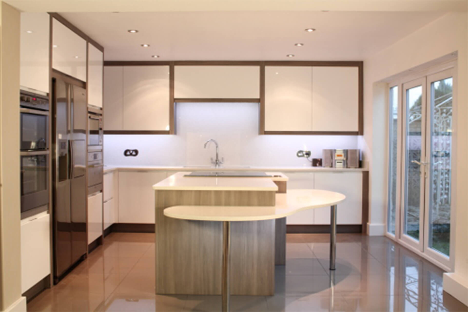 Gloss White - Slab Doors with Eular Carcase